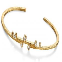 Linear Stepped Cuff in Gold with Diamonds