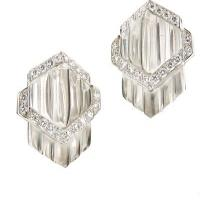 carved rock crystal, brilliant-cut diamonds, 18k white gold earrings