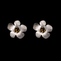 priya himatsingka daniel flower rounded earrings