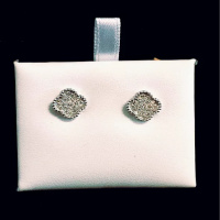 18k white gold diamond clover studs