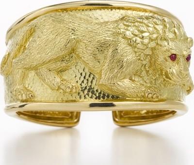 repouss lion cuff