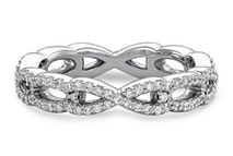 Women's Diamond Twist Wedding Band