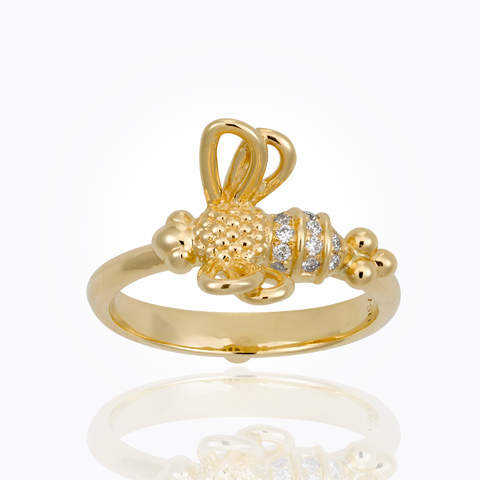 18k resting bee ring