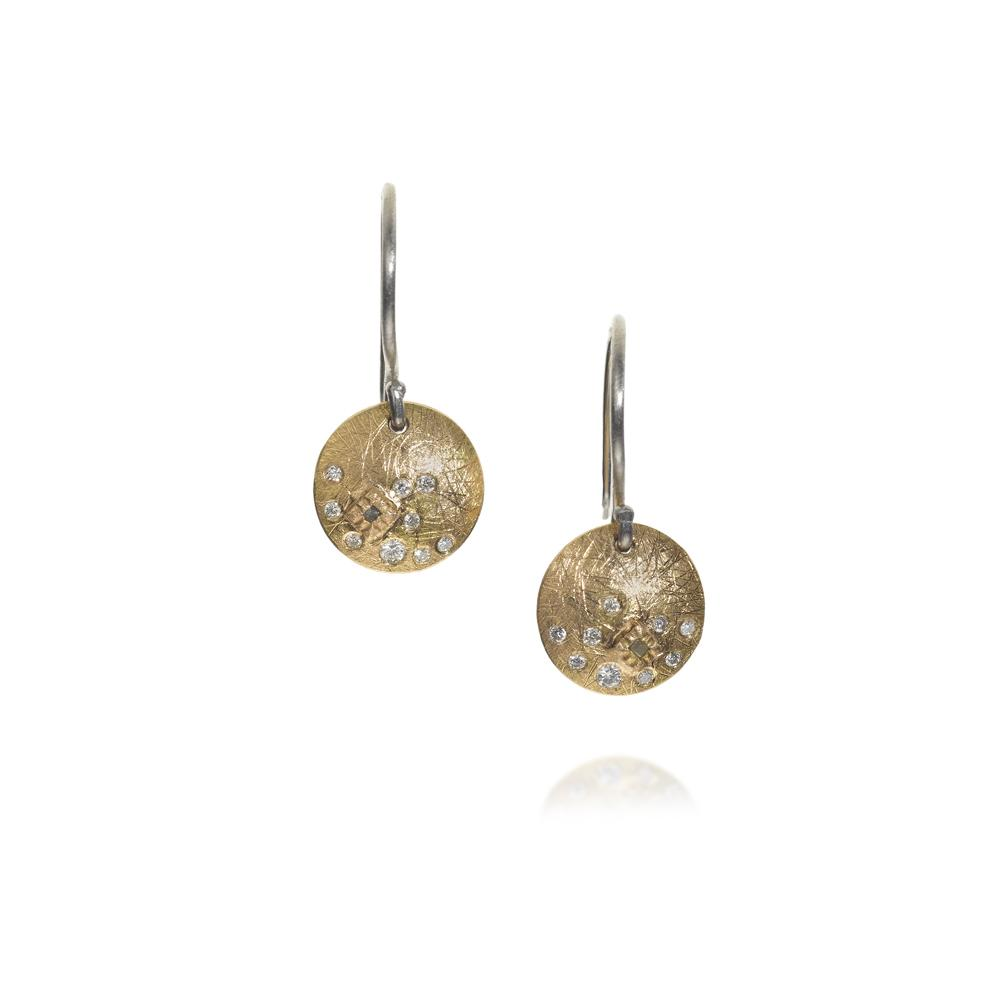 Earrings with white brilliant cut diamonds 013c