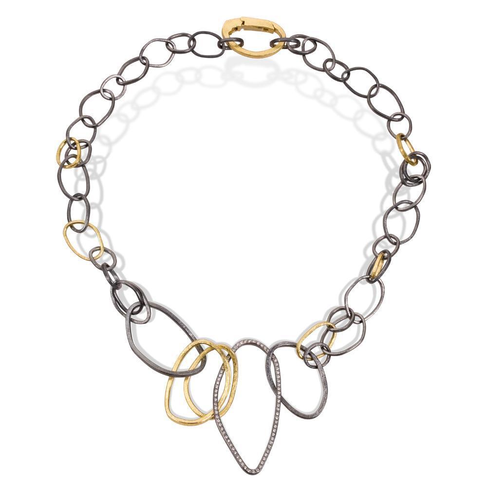 Collar necklace with white brilliant cut diamonds