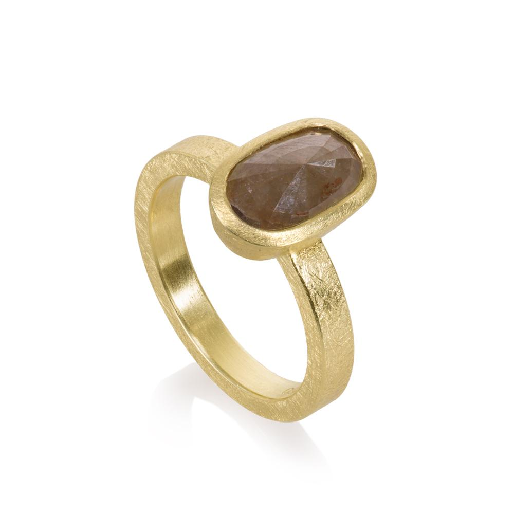 Ring with natural diamond 275ct in 18k yell
