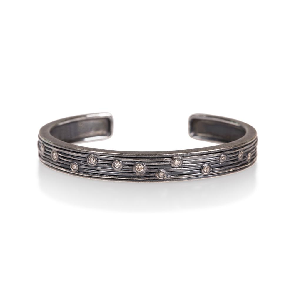 Cuff bracelet with silver brilliant cut diamonds