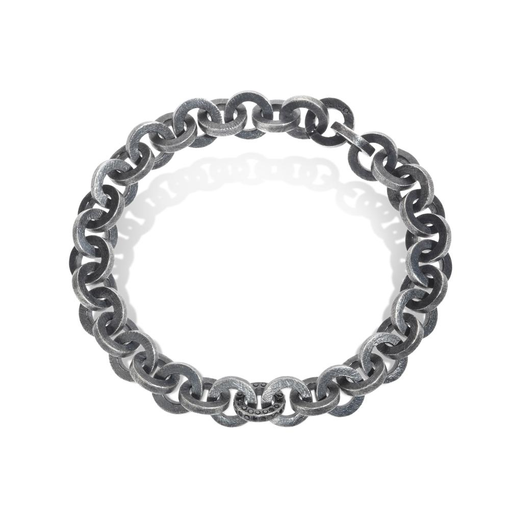 link bracelet with black brilliant cut diamond
