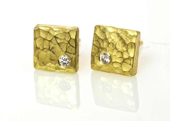 Square Forged Earrings in Gold with Diamonds