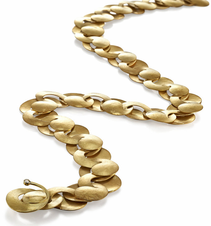 Swirl Necklace in Gold