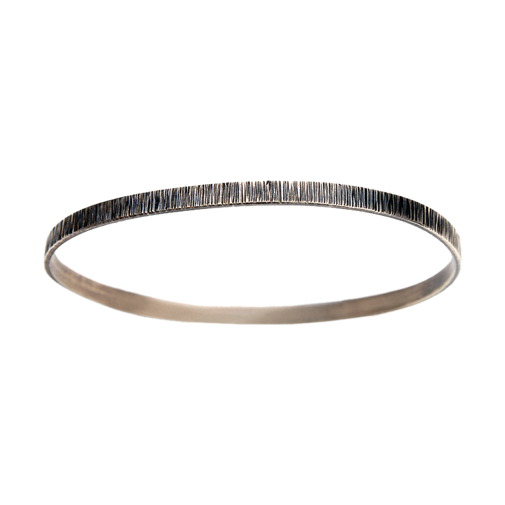 Water wide silver bangle (round, patina)