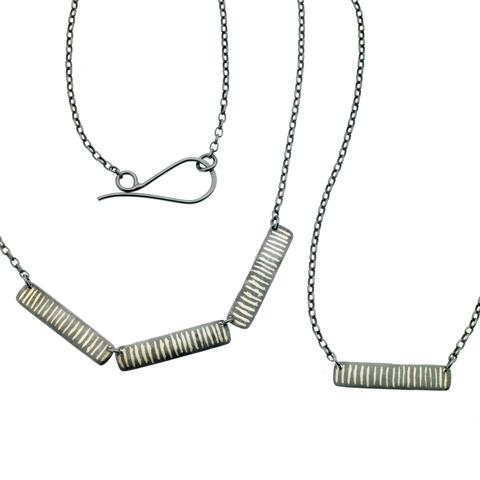 scribble stripe necklace