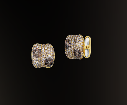 Roberto coin flower cufflink with cognac diamonds