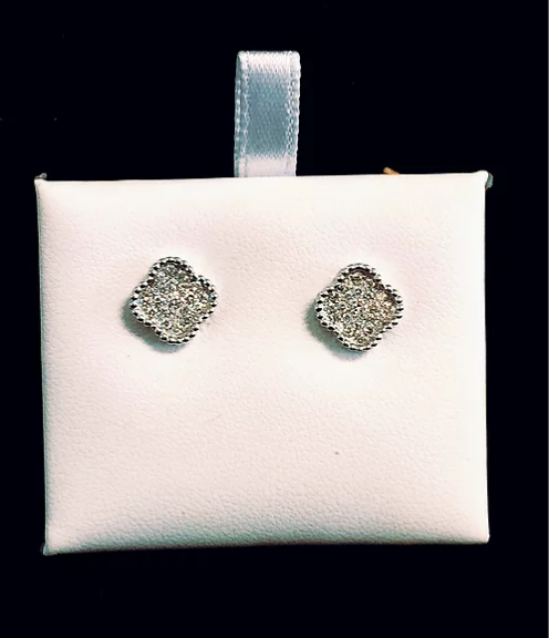 18k white gold diamond clover studs